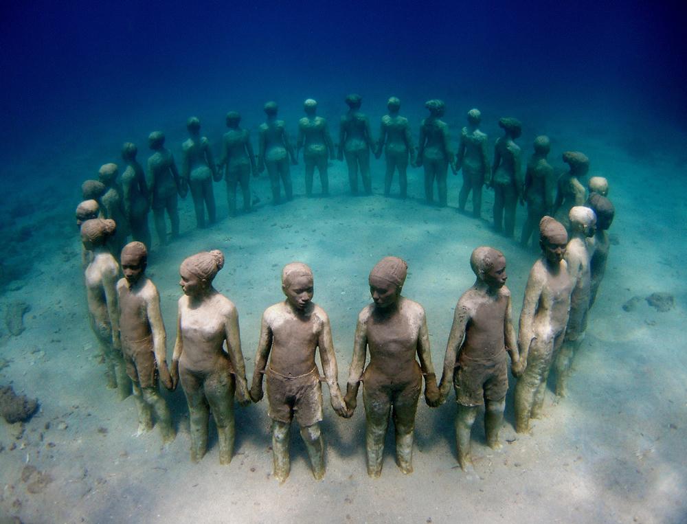 Jason deCaires Taylor - Cancun, Mexico artist